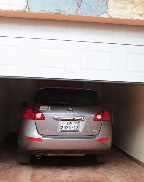 remote-control-garage-door-1